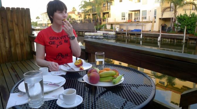 Erstes Frühstück nach der Landung